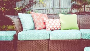 21 ideias para sofás de jardim